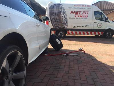 Fast Fit Tyres Mobile Tyres Replacement Service